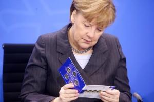 Bundeskanzleramt, Neue 2Euro Gedenkmünze vorgestellt: BK Angela Merkel, BM-Finanzen Wolfgang Schäble, MP Niedersachsen Stephan Weil